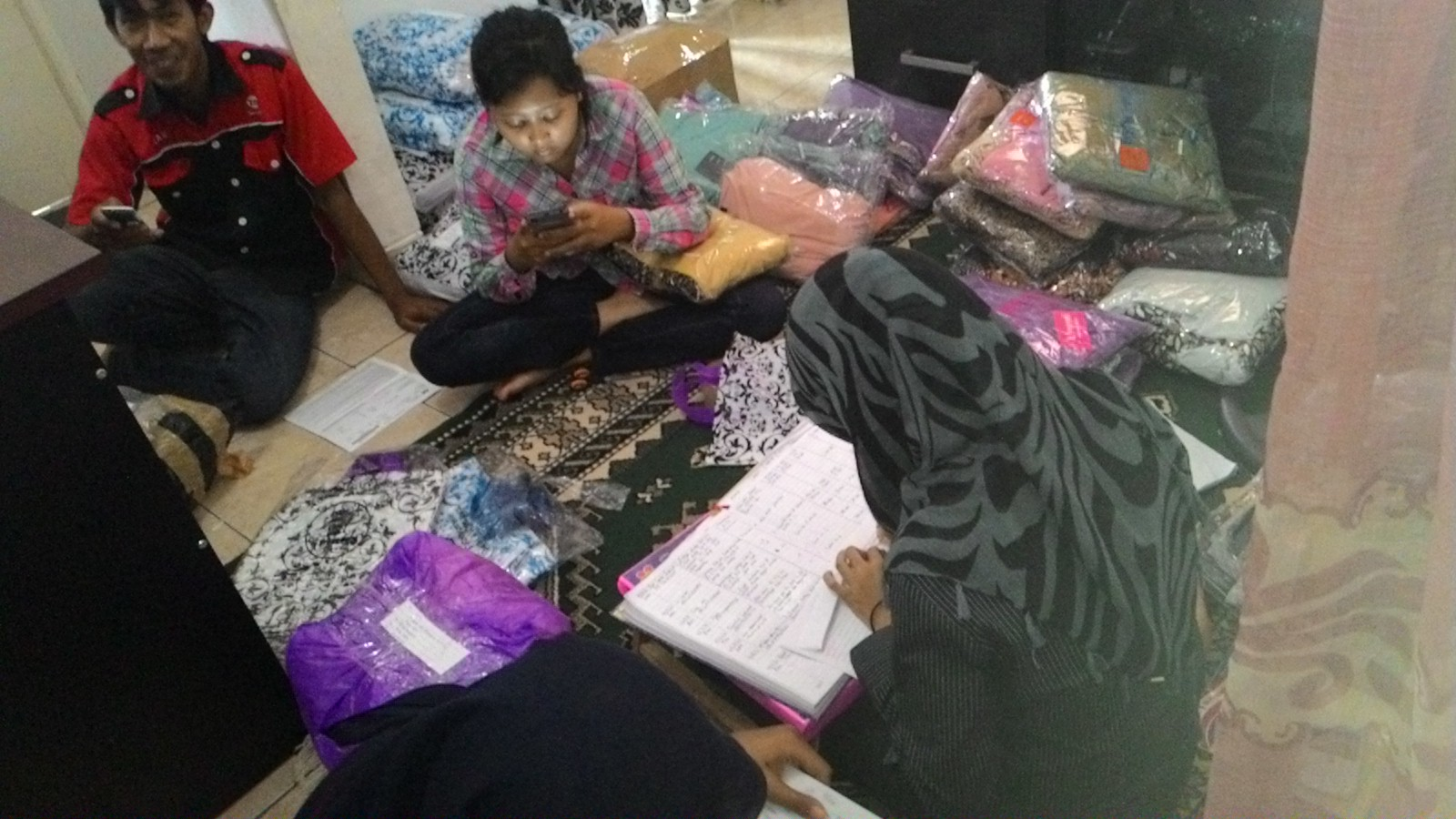 poto-bareng Jual Busana Muslim