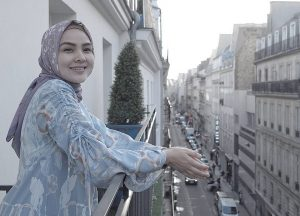 Dian-Pelangi-300x210 5 Desainer Baju Muslim Top Di Indonesia